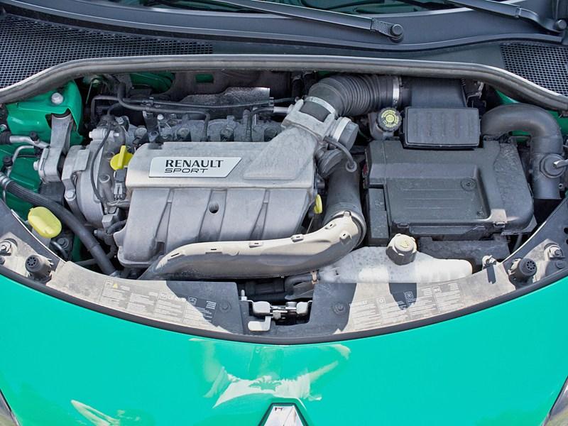 Renault Clio RS 2010 двигатель