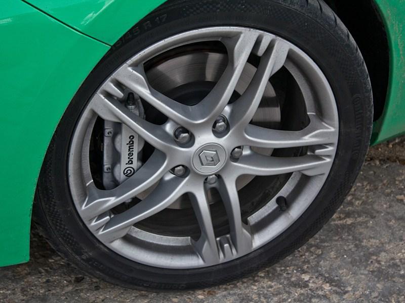 Renault Clio RS 2010 колесо