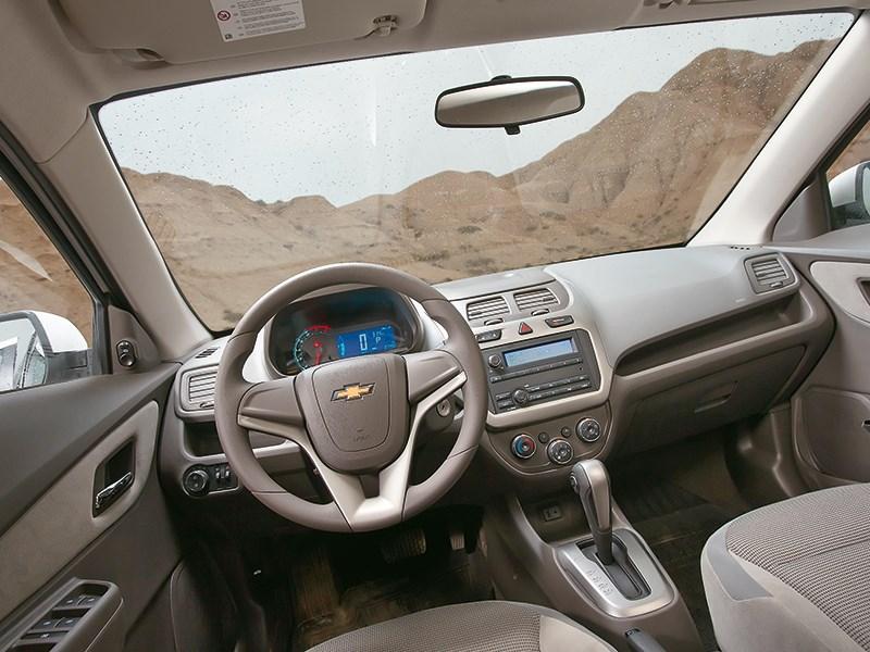 Chevrolet Cobalt 2013 салон