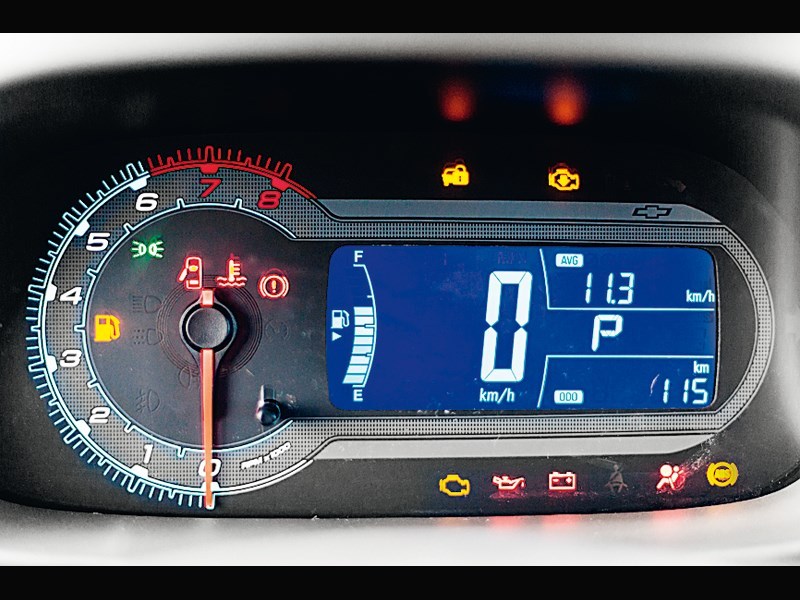 chevrolet cobalt фото панель приборов