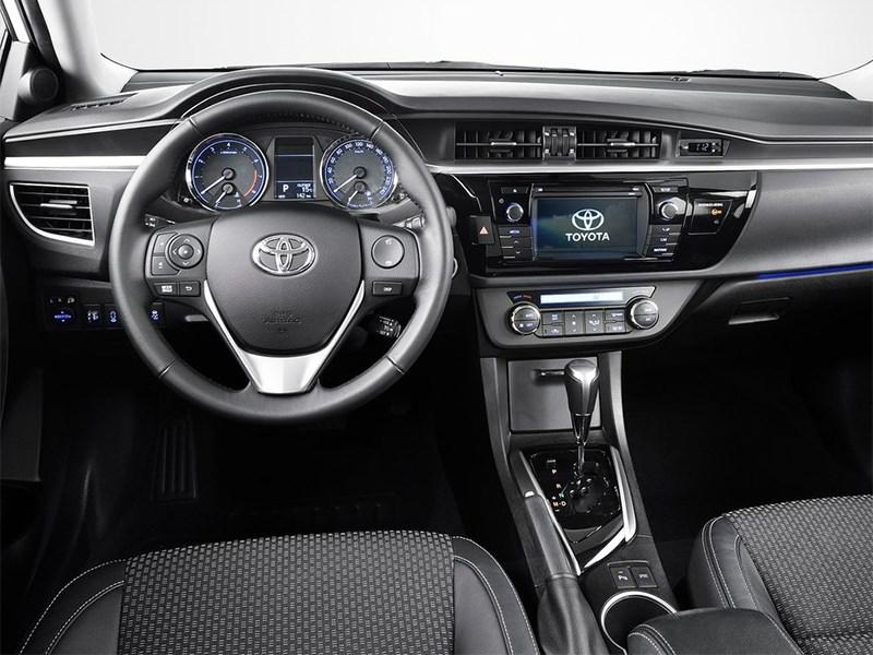Toyota Corolla 2014 водительское место