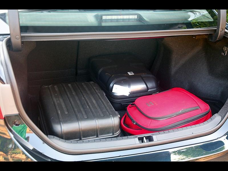Toyota Corolla 2014 багажное отделение