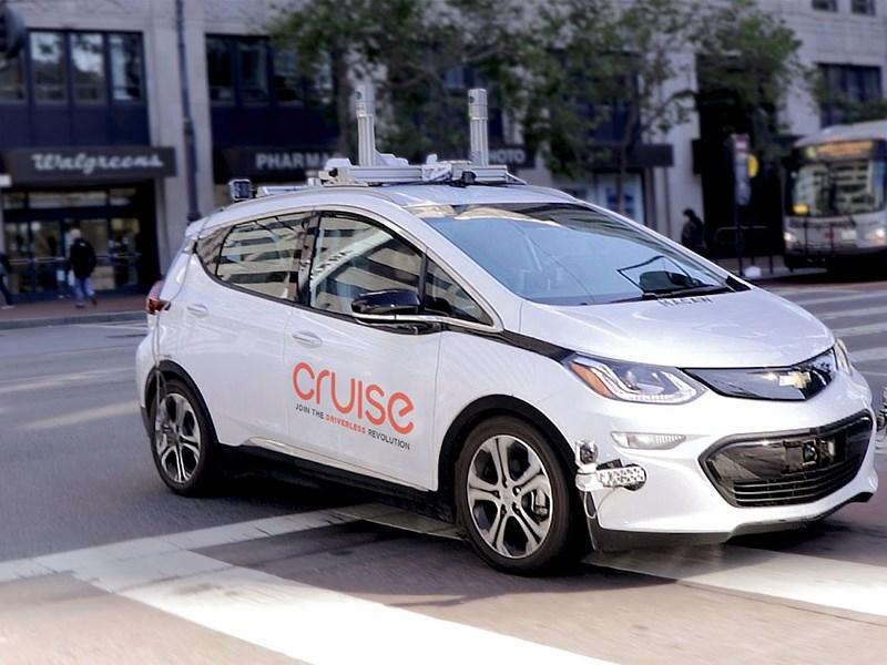 GM заявил о готовности к массовому производству беспилотных автомобилей