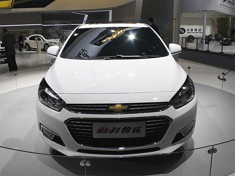 Chevrolet Cruze 2015 фронтальный вид