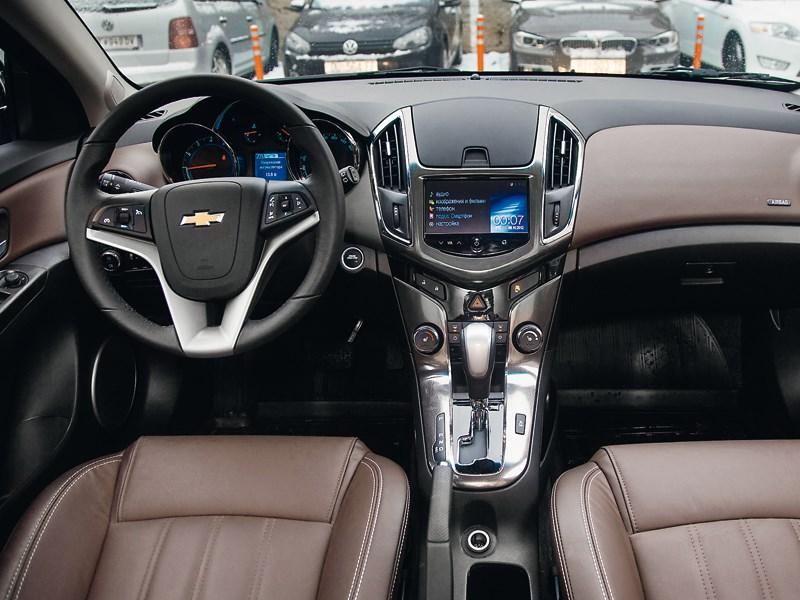 Chevrolet Cruze 2013 водительское место