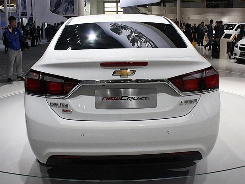 Chevrolet Cruze 2015 вид сзади