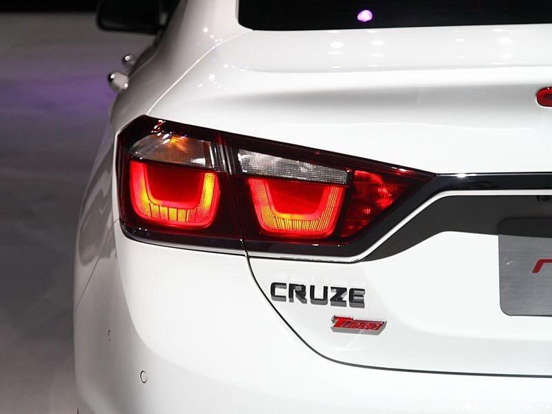 Chevrolet Cruze 2015 задний фонарь