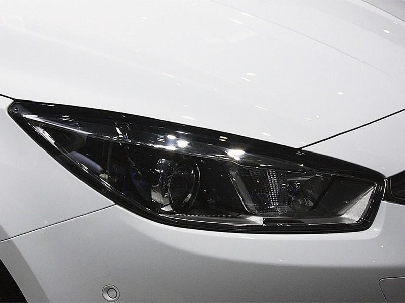 Chevrolet Cruze 2015 передняя фара