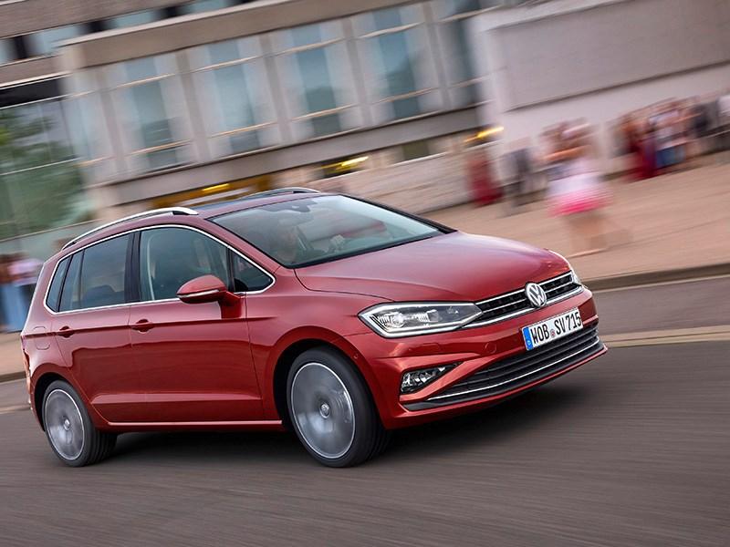 Volkswagen Sportsvan получил «полуавтопилот»