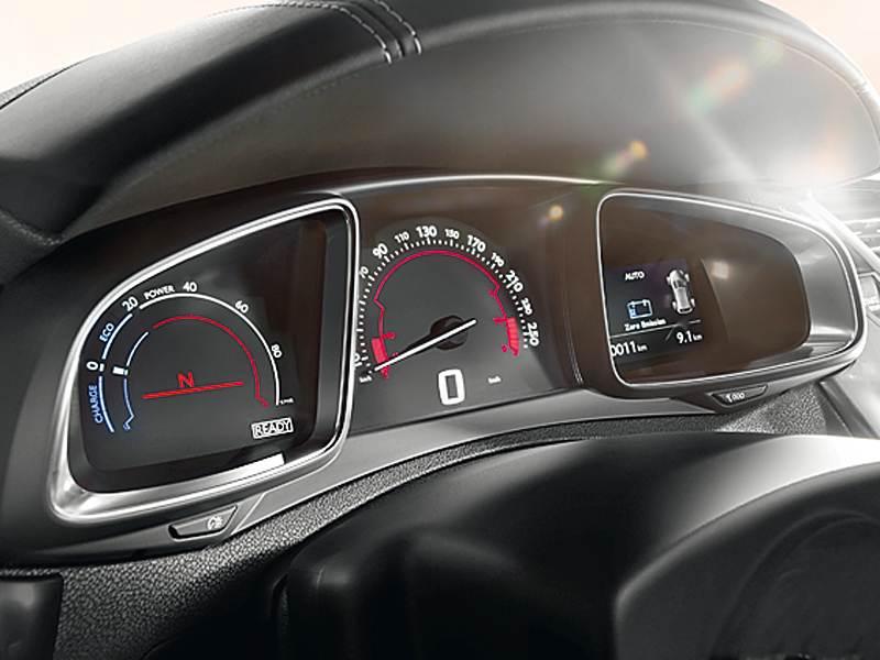 Citroen DS5 2012 приборная панель