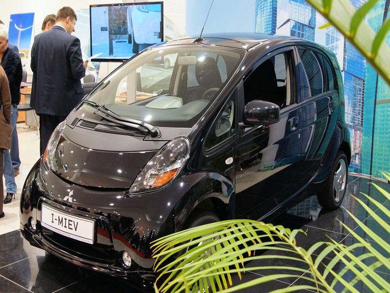 Mitsubishi i-MiEV 2009 на открытии дилерского центра Mitsubishi-Кунцево фото 2