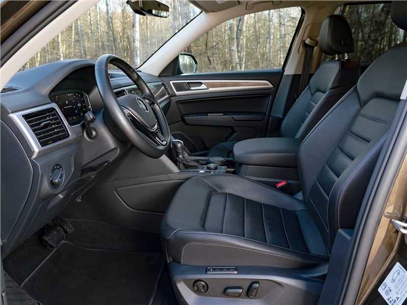 Volkswagen Teramont (2018) передние кресла