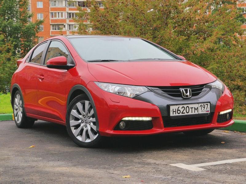 Honda Civic 2012 вид спереди справа фото 2