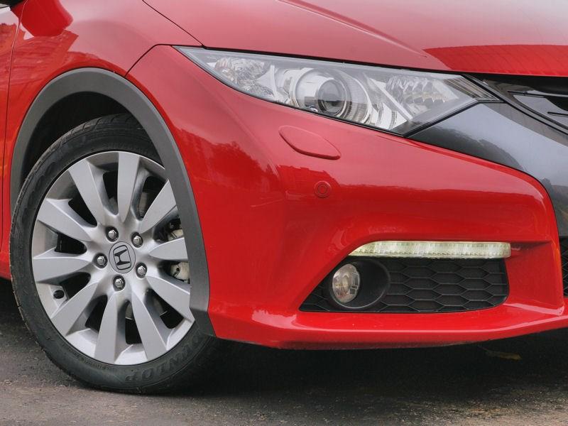 Honda Civic 2012 передняя часть автомобиля