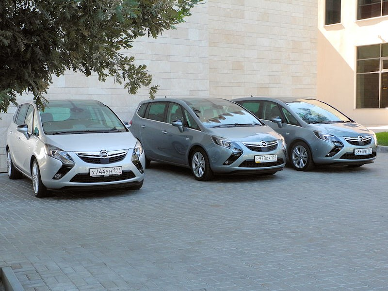 Opel Zafira Tourer 2012 групповое фото 2