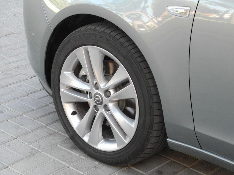 Opel Zafira Tourer 2012 штатные колеса
