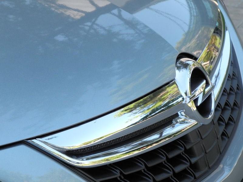 Opel Zafira Tourer 2012 фальшрадиаторная решетка