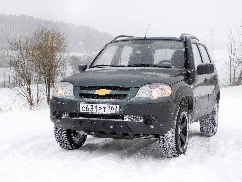 Chevrolet NIVA 2009 вид спереди слева