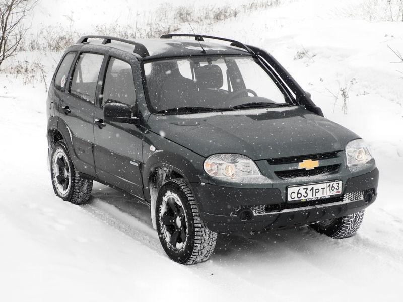 Chevrolet NIVA 2009 вид спереди справа фото 2