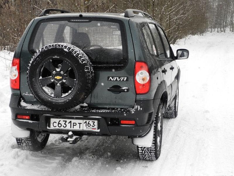 Chevrolet NIVA 2009 вид справа сзади фото 2