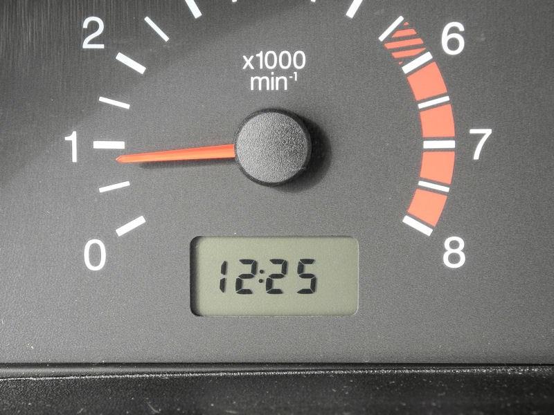 Chevrolet NIVA 2009 текущее время