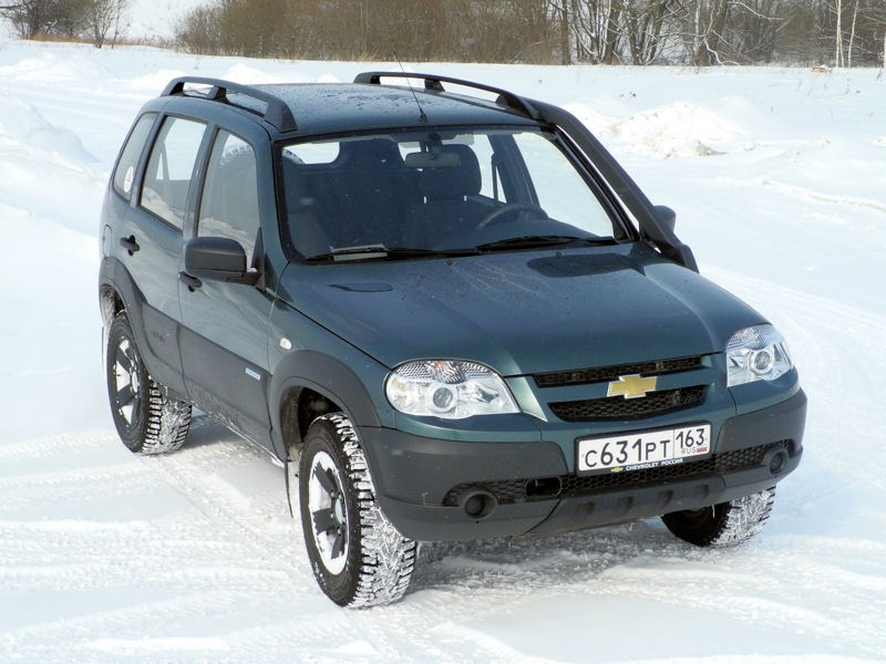 Chevrolet NIVA 2009 вид спереди справа фото 5