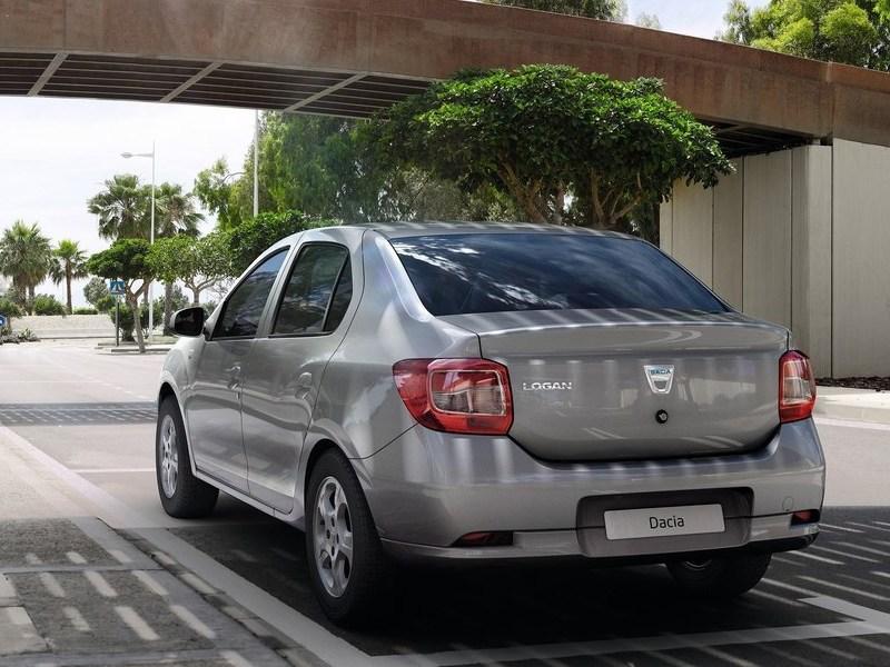 Dacia Logan 2013 вид сзади