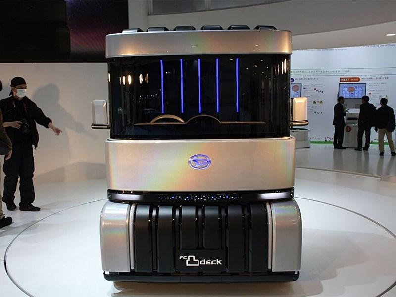 Daihatsu FC Deco Deck Concept 2013 вид спереди