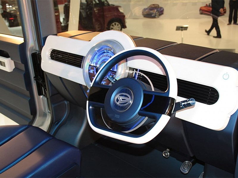 Daihatsu FC Deco Deck Concept 2013 водительское место