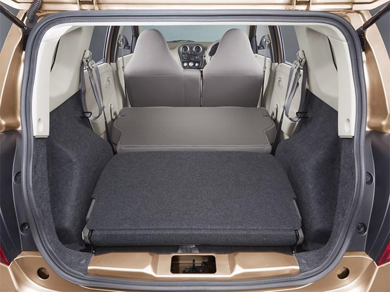 Datsun GODatsun GO+ 2013 вид сзади+ 2013 багажное отделение