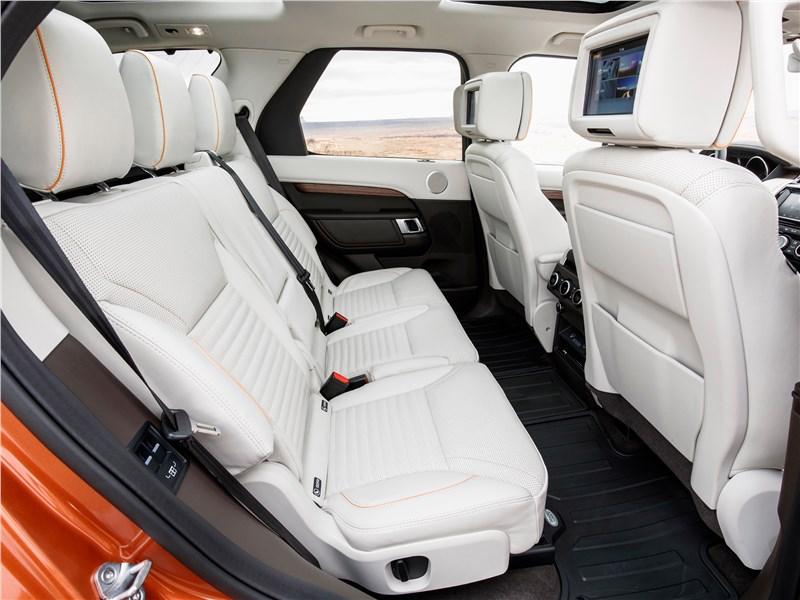 Land Rover Discovery 2017 второй ряд сидений