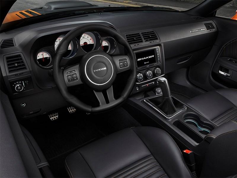 Dodge Challenger RT Shaker 2014 салон