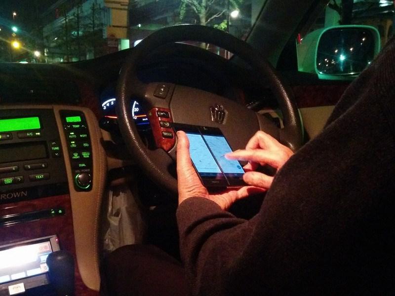 В Германии планируют ужесточить запреты на использование гаджетов водителями