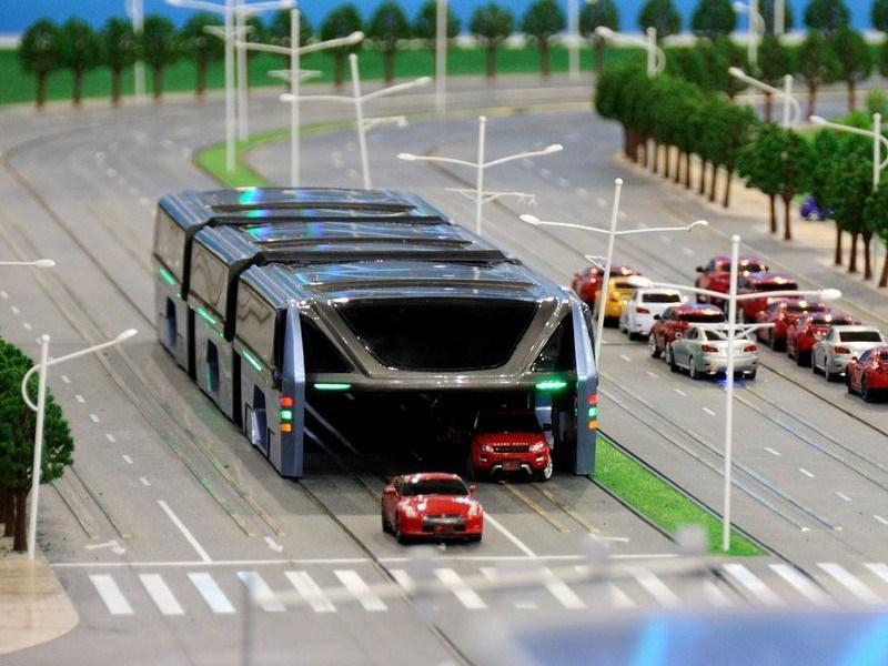 В КНР испытали первый портальный автобус
