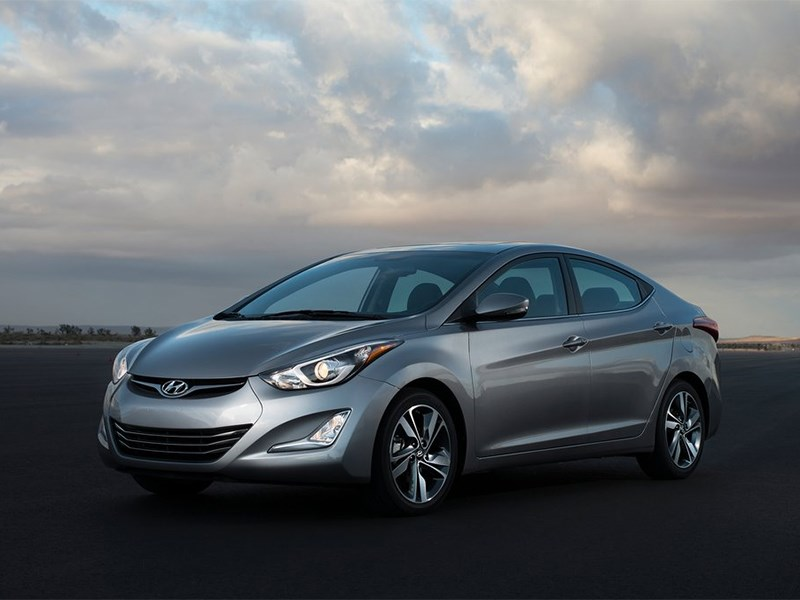 Hyundai Elantra sedan 2013 вид сбоку