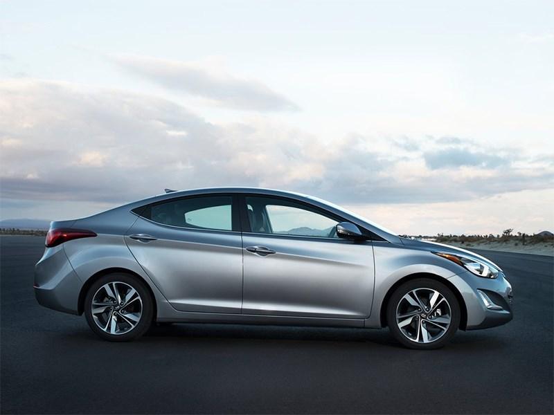 Hyundai Elantra sedan 2013 вид сбоку фото 3