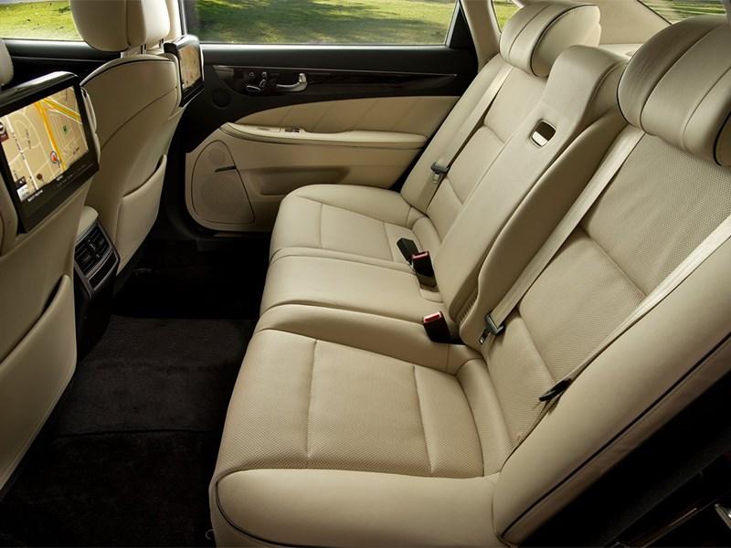 Hyundai Equus 2013 задний диван