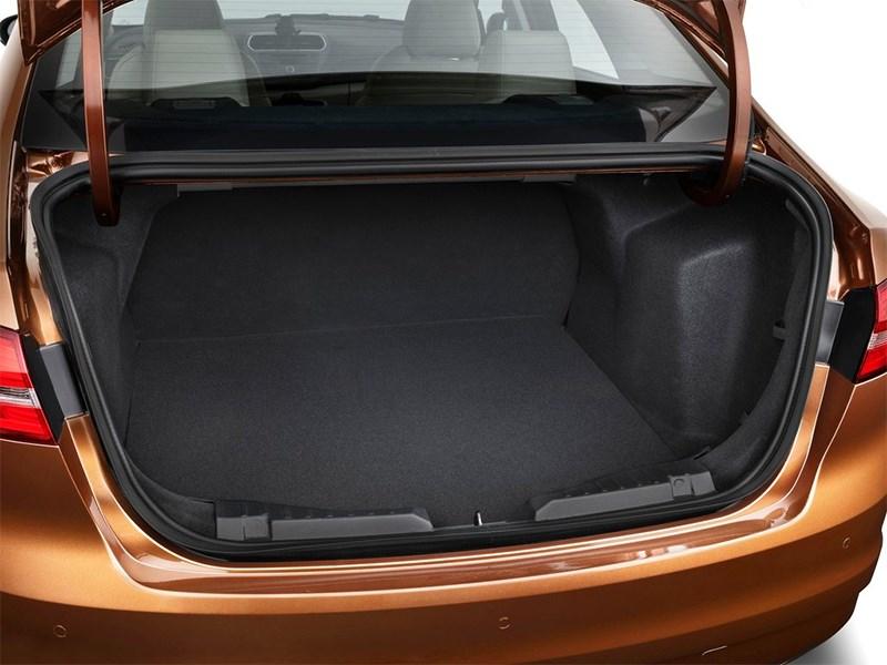 Ford Escort Concept 2014 багажное отделение