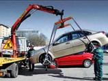 В Питере машины эвакуируют вместе с водителями