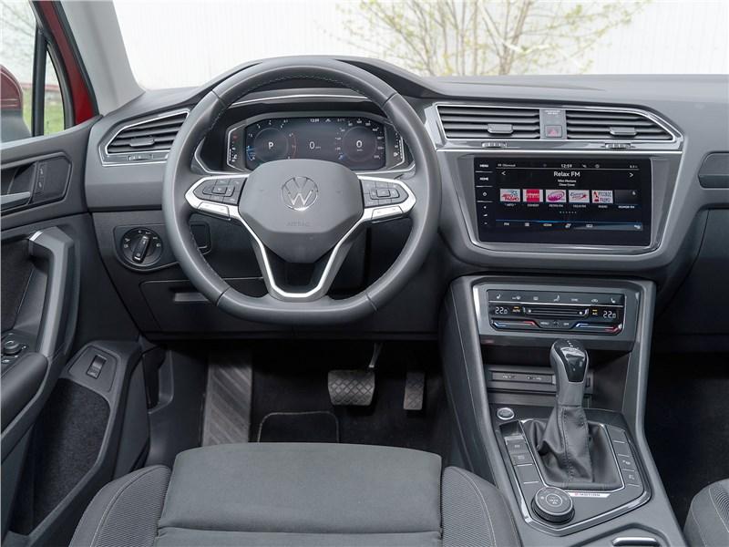 Volkswagen Tiguan (2021) салон