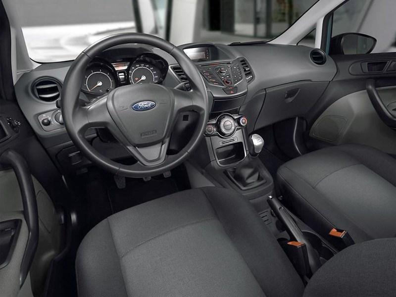 Ford Fiesta Van 2013 водительское место