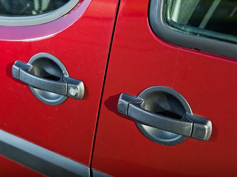 Fiat Doblo Panorama 2007 ручки дверей