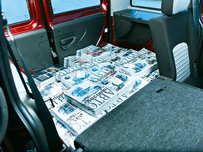 Fiat Doblo Panorama 2007 багажное отделение