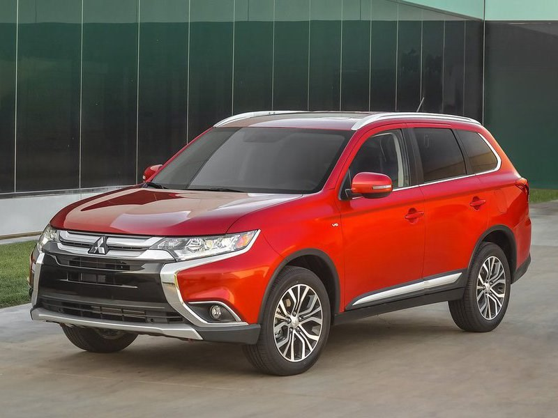 Российские продажи Mitsubishi в июле упали почти наполовину