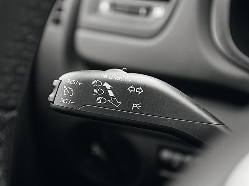 Skoda Fabia RS 2011 подрулевые лепестки
