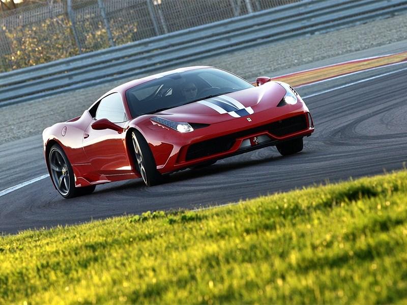 Ferrari 458 Speciale 2014 вид спереди 3/4