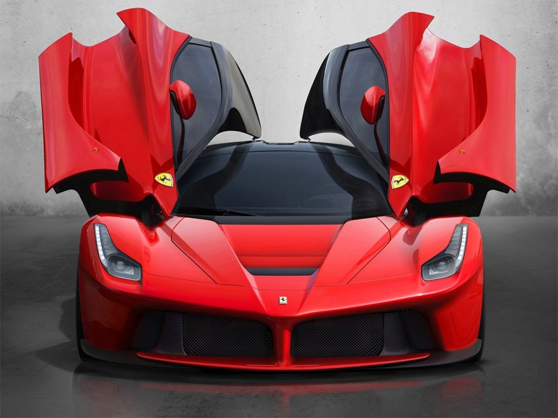 Ferrari LaFerrari 2013 вид спереди