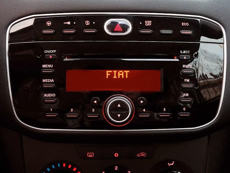 Fiat Punto 2012 кнопки управления