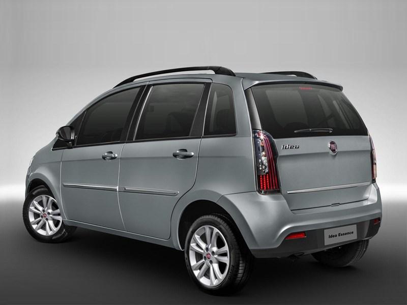 Fiat Idea 2013 вид сзади