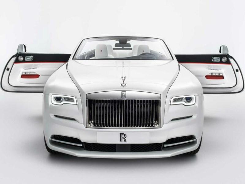 Rolls-Royce показал новую модификацию кабриолета Dawn